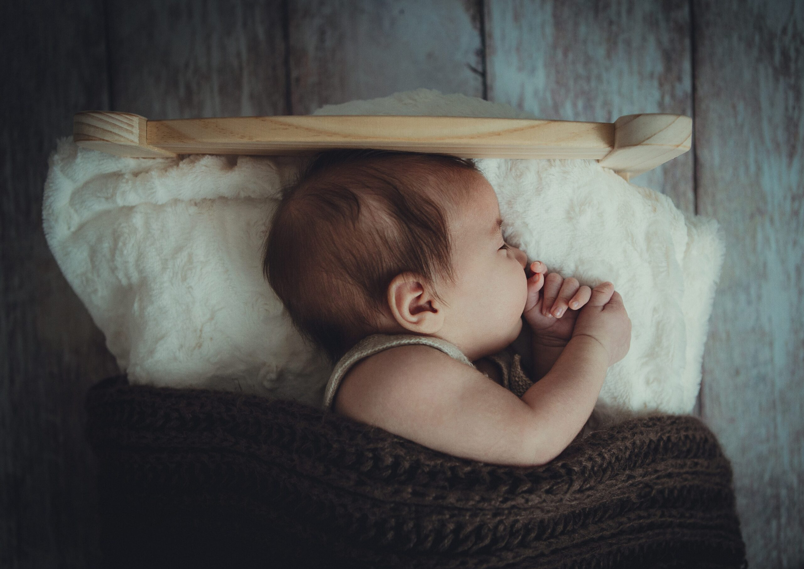 Learn the keys to successful nap training during the first year of life and how to avoid some of the most common pitfalls.